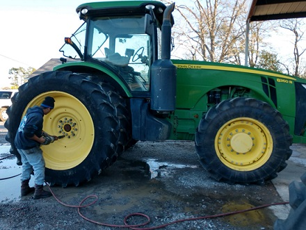 farm tractor tire repair service
